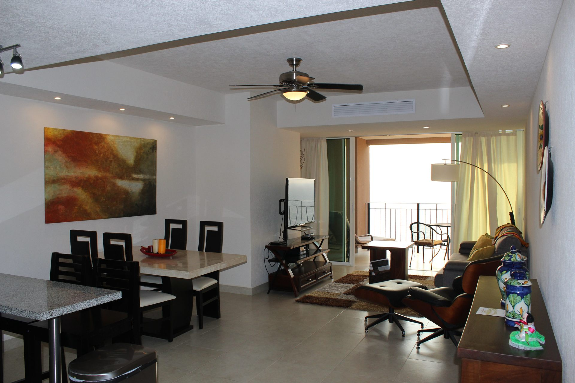 Cozy 1 bedroom beachfront vacation condo studio rental in Grand Venetian Puerto Vallarta